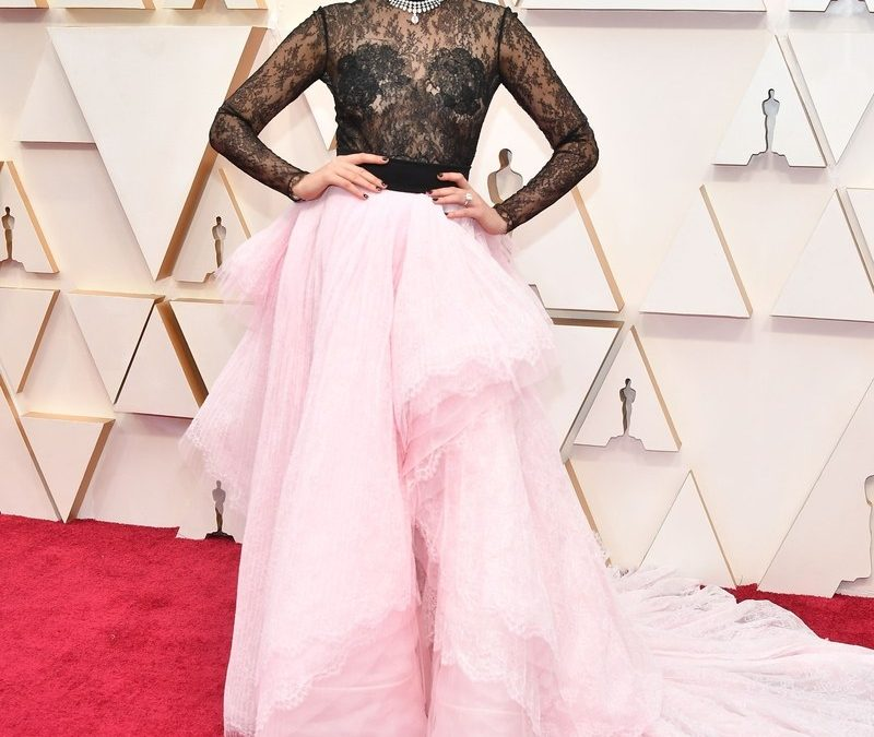 Recreate Gal Gadot's Oscars Look On a Budget